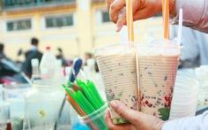20 quán trà sữa thải 100m3 ống hút, ly nhựa mỗi tháng