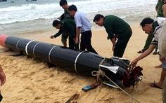 Phát hiện vật thể giống ngư lôi dạt vào bờ biển Phú Yên