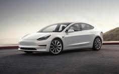 Người Trung Quốc vui mừng vì xe Tesla giảm giá