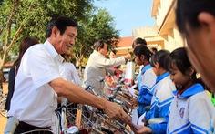Chương trình 'Gieo mầm tri thức': Đường đến trường bớt xa xôi, vất vả