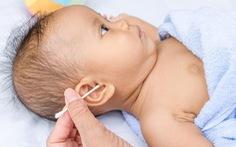 Có cần thiết phải lấy ráy tai cho trẻ?