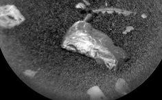 Phát hiện vật thể sáng bóng bí ẩn trên sao Hỏa