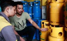 Giá gas trong nước nhích nhẹ, tăng thêm 2.000 đồng mỗi bình 12kg