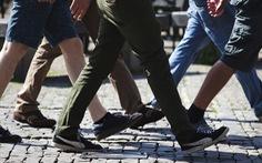 Đi bộ dưới 180.000 bước chân, nhân viên bị phạt tiền