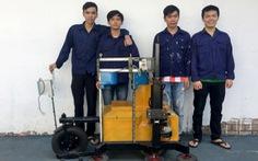Robot cắt tỉa viền cây cảnh 'made by sinh viên'