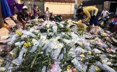 Chợ hoa sỉ lớn nhất Sài Gòn 'vỡ trận'