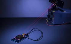 Tia laser sẽ sớm được sử dụng để sạc pin điện thoại