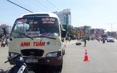 Tài xế xe khách vượt đèn đỏ khi tông hàng loạt xe máy