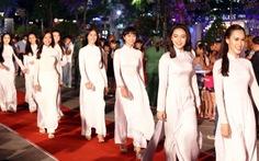 Tôi yêu áo dài Việt Nam