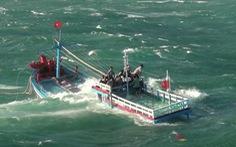 Cảnh sát biển cứu sống 12 ngư dân trước tết