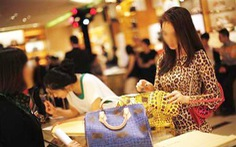 Trung Quốc, Thái Lan làm nghiêm, quà tặng giảm