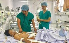 Phẫu thuật cứu người đàn ông bị nắp cống nghiền nát