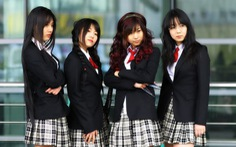 Bắt mua đồng phục hàng hiệu, trường Nhật bị phản đối