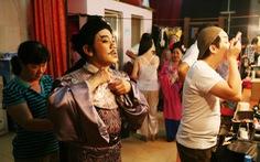 Sân khấu Sài Gòn đang thời... lên bờ xuống ruộng?