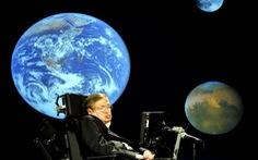 'Phép mầu' nào giúp Stephen Hawking chống chọi bệnh ALS?