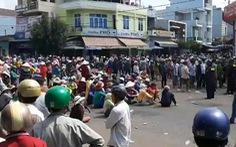 Dân phản đối dự án thủy sản, quốc lộ 1 kẹt hơn 7 tiếng