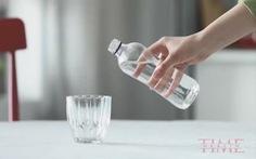 Nước đóng chai nhiễm hạt nhựa nhiều hơn nước máy