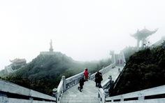 Quần thể tâm linh trên đỉnh Fansipan: Đường lên cõi Phật mây bay