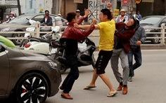 Sao người Việt ra nước ngoài văn minh, về nhà lại luộm thuộm?