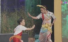 Xem clip hài 'Cây cầu Tình' trong Cười xuyên Việt