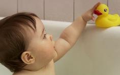Những con vịt tắm đồ chơi, coi chừng thành ổ vi khuẩn