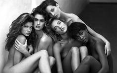 Dàn siêu mẫu thập niên 80 hội tụ trong bức ảnh nude 70.000USD