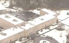 Một trường trung học ở Mỹ sơ tán vì bom giả