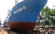 Đi chuyến nào lỗ chuyến đó, tàu vỏ thép nằm bờ ôm nợ