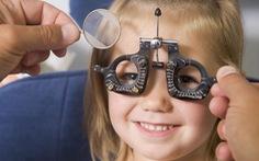Cách phòng tật khúc xạ ở tuổi học đường