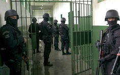 Tấn công nhà tù như trên phim, 21 người thiệt mạng