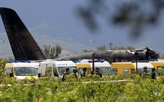 Choáng với máy bay quân sự Algeria rơi: 257 người thiệt mạng