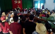 Khánh Hòa tạm dừng hỗ trợ bão 12 vì dân phản ứng
