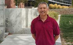 Đề nghị công nhận 'giáo sư quần đùi' là hiệu trưởng ĐH Hoa Sen
