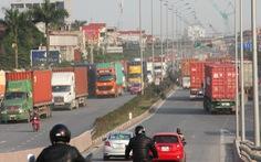 Mớ rau cũng đội giá vì phí bủa vây trên đường vận chuyển