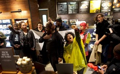 Starbucks Mỹ sẽ đóng cửa để tập huấn chống định kiến chủng tộc