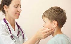 Sưng hạch ở trẻ em: Cách xử trí ban đầu