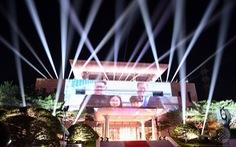 Choáng ngợp màn trình diễn ánh sáng Hàn Quốc tặng ông Kim Jong Un