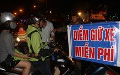Đà Nẵng: Gần 100 điểm giữ xe coi pháo hoa 'không lo chặt chém'