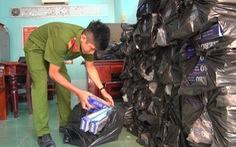 Bắt quả tang xe tải chở 18.000 gói thuốc lá lậu
