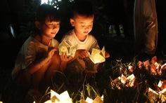 Hoa đăng sáng rực sông Hương cầu quốc thái dân an