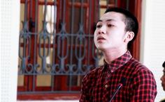 Bị cáo 19 tuổi đâm chết bạn gái lãnh án tù chung thân