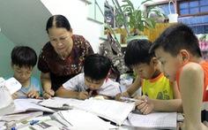 Lớp học ở xóm biển nghèo