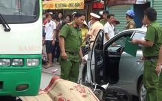 Mở cửa ôtô gây va chạm, bị xử phạt ra sao?