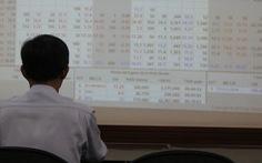 Cổ phiếu Vingroup, Vincom Retail đỏ sàn trước ngày Vinhomes niêm yết