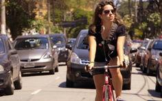 Bàn đạp chống vô lăng hay cuộc chiến của những người đi xe đạp