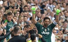 Cổ động viên Juventus bật khóc trong ngày chia tay Buffon