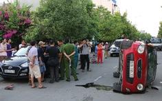 Thiếu niên 17 tuổi lái ôtô húc hàng loạt xe tại Sài Gòn