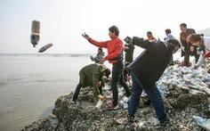 Video người Triều Tiên đào thoát ném thông tin lương thực về cố hương