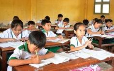 Hàng trăm giáo viên Cà Mau mất việc vì 'địa phương tự ý tuyển'?
