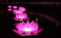 Hoa đăng rực sáng kênh Nhiêu Lộc trong dịp lễ Phật đản
